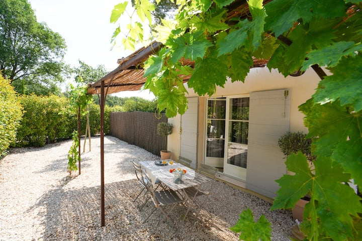 Charming Zola  Cottage Near Aix city center pool