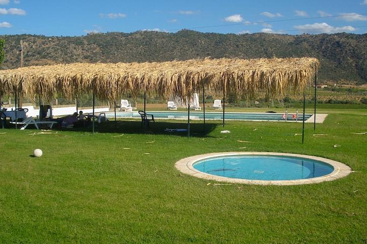 Acogedora casa de campo en Vila Flor con piscina
