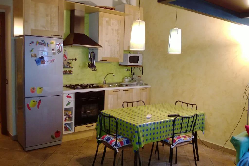 Cucina a vista abitabile.