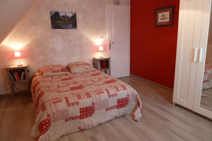 ***Chambre en vallée de Loire*** F