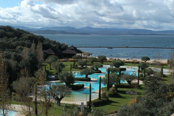 Villa en Golf Isla de Valdecañas - La Isla de Valdecañas - วิลล่า
