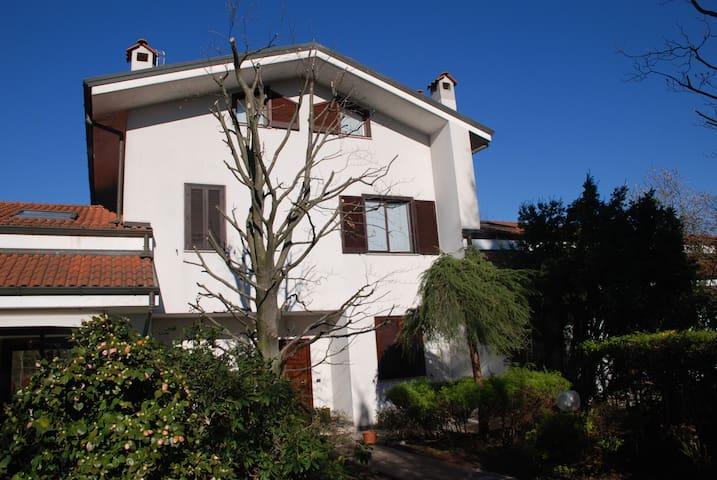Villa in residence - Correzzana - Вилла