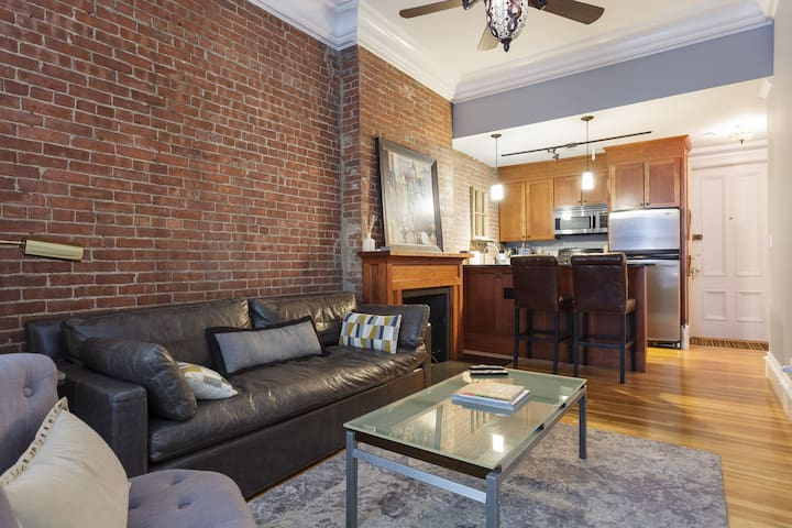 Superb 1BR Back Bay Condo