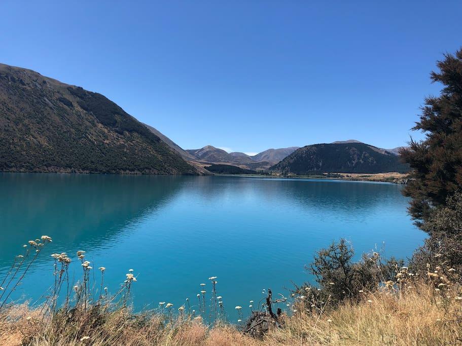 The Serenity of Lake Coleridge