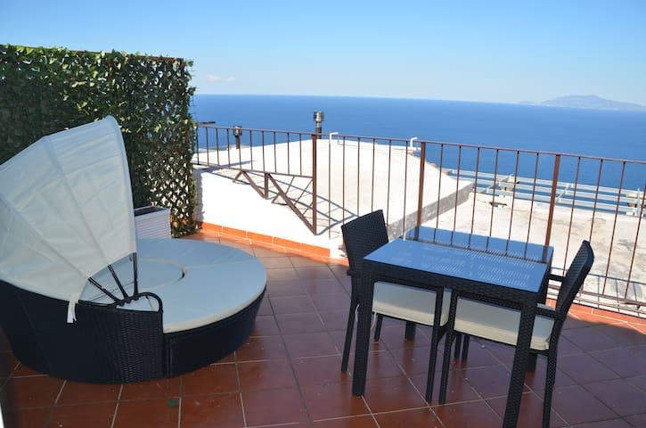 B&B Il Paradiso di Capri+navette gratuite check in - Capri - Bed & Breakfast