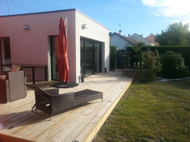 Maison avec son extension (100m2) - Saint-Sébastien-sur-Loire - Hus