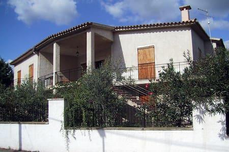 Appartamento 8 posti letto in villa 8 pax - Porto Ottiolu