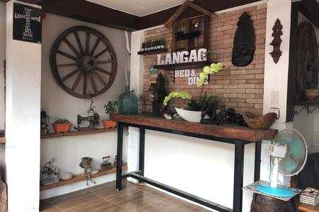 Langag Inn, Your bed and dine.