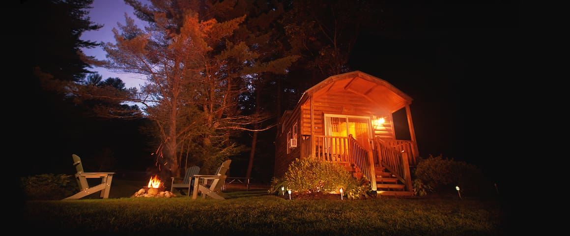 Comfy Cabins close to Saratoga Springs, NY - Corinth - Kabin