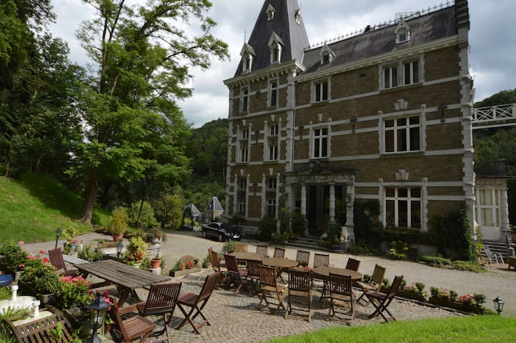 Château Bleu hotel-restaurant - Trooz - Castillo