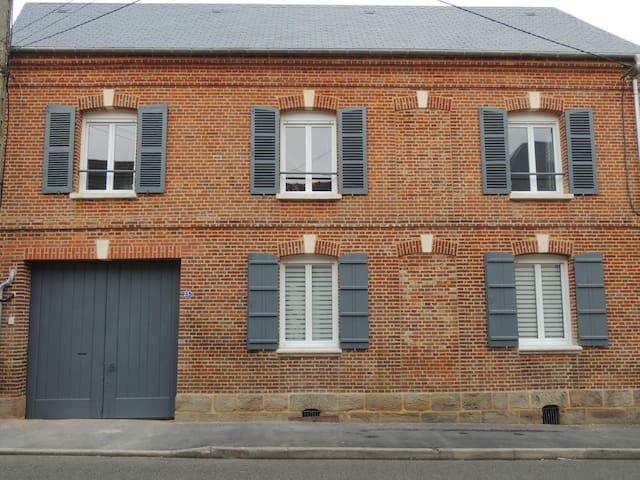 Maison rénovée - Crillon