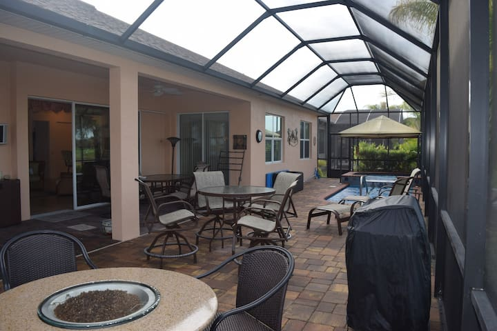 Pool and Spa Home Near Legoland - Winter Haven - House