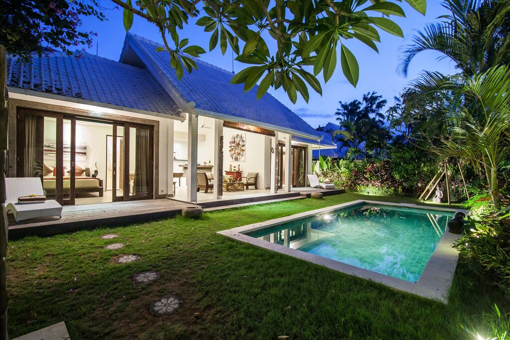 Villa Deaphil, 2 bedrooms & 2 bathrooms with private pool property, close to Seminyak