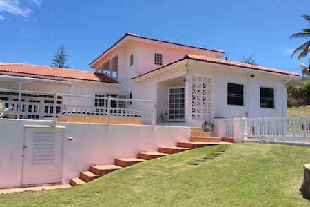 LEEWARD HOUSE GOLF CIRCLE - Basseterre