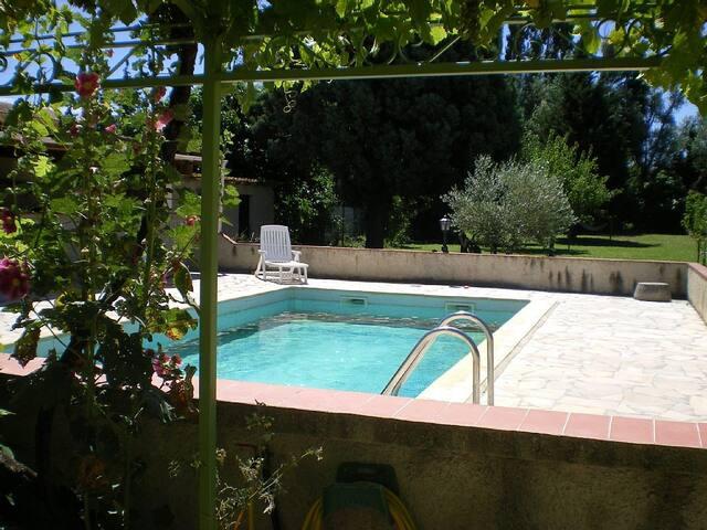 Maison en Provence ! - Courthézon - Hus