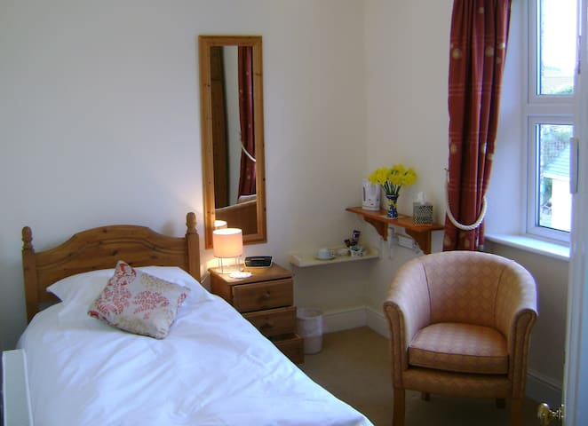 Lovely, quiet single room - Veryan - Bed & Breakfast