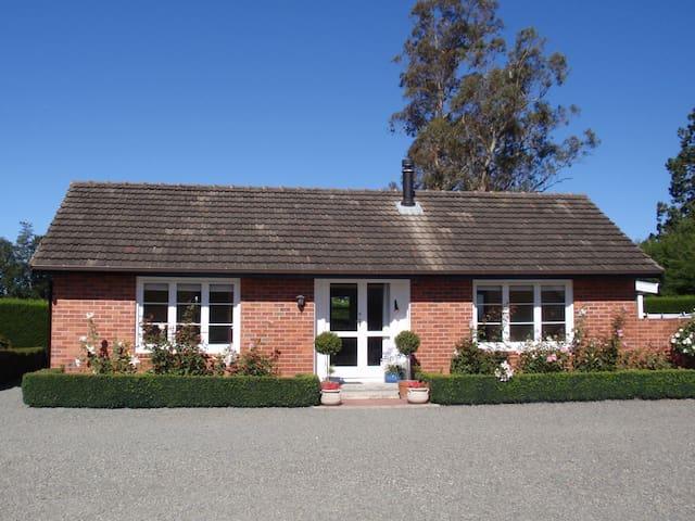 Oakham Cottage, Geraldine