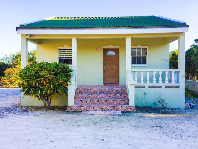 The Lucayan Guest House - Near Long Bay Beach - Long Bay Hills - Pis