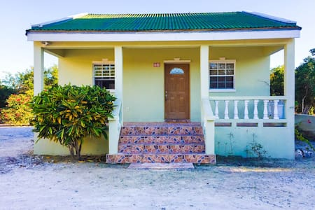 The Lucayan Guest House - Near Long Bay Beach - Long Bay Hills - Leilighet