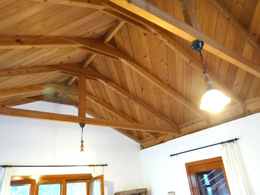 Wooden celing of the spacious room.
