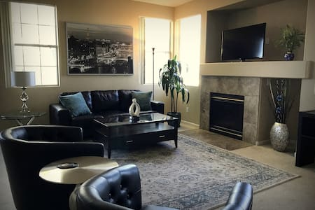 Luxury 3 Bedroom Gated Townhouse with Strip Views!
