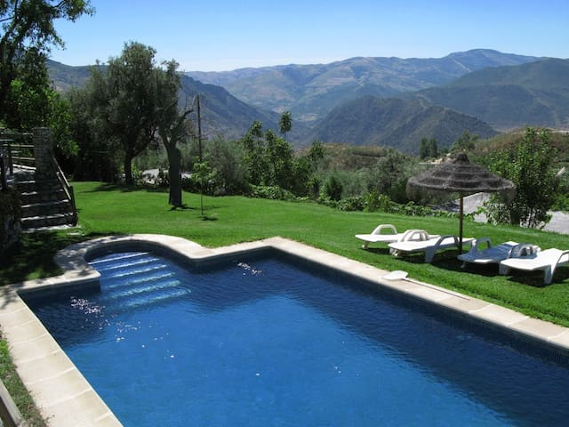 Holidayhome with stunning view - Carataunas - Rumah