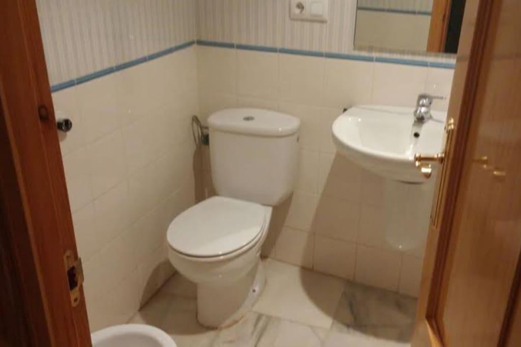 Cuarto de Baño de marmol con bañera