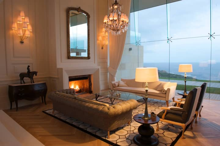 Luxury seafront house at Oubaai golf estate