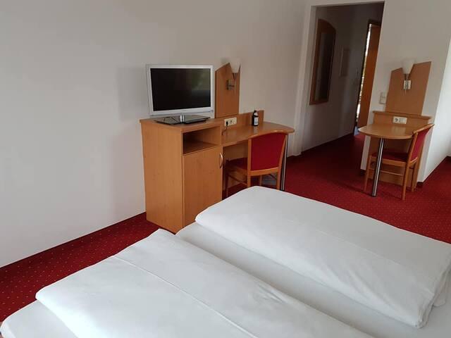Apartment für 2 Personen, nähe EADS Ottobrunn