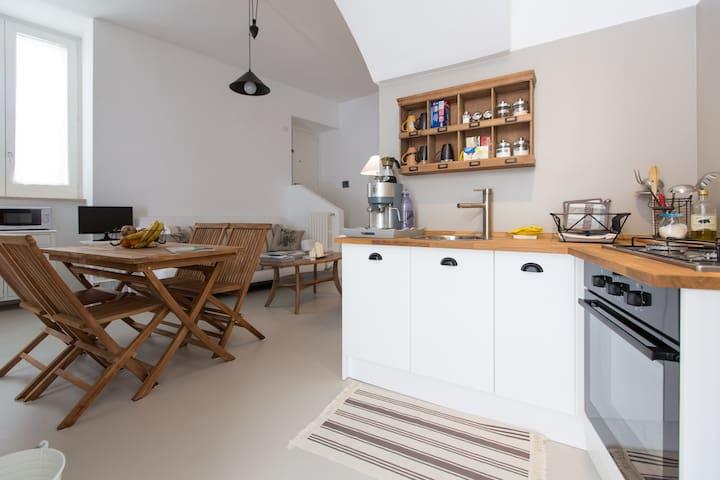 cucina e zona pranzo