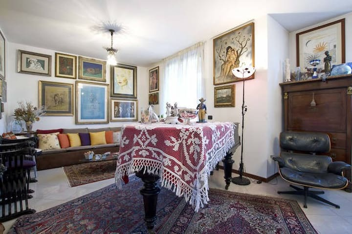 NICE VILLA NEAR MILAN FIERA room 2 - Casone - Appartement