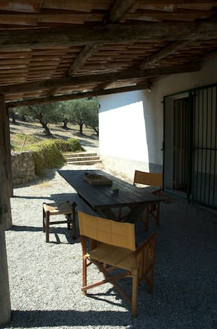 Country house-2km from the sea. - Stalettì - Apartament