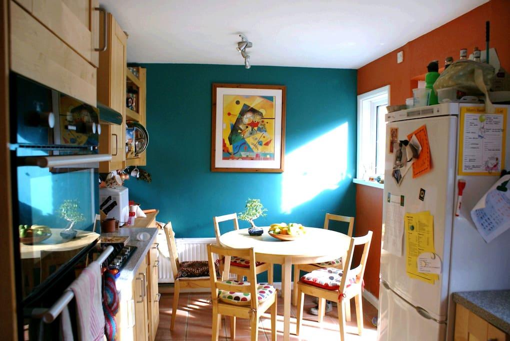 Well equipped kitchen - fridge-freezer, double oven, washing machine