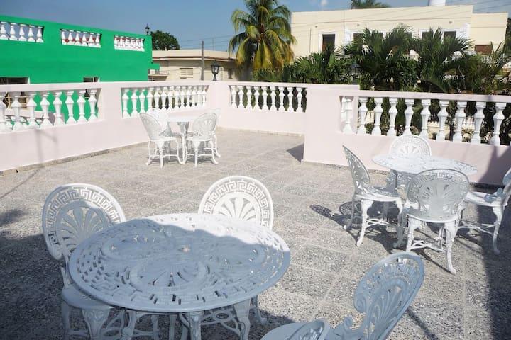 VILLA TROPICANA - Playa Habana