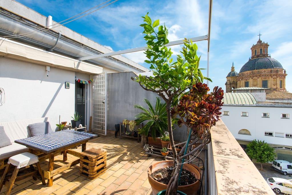Downtown tea garden tico c ntrico flats for rent in - Garden center sevilla ...