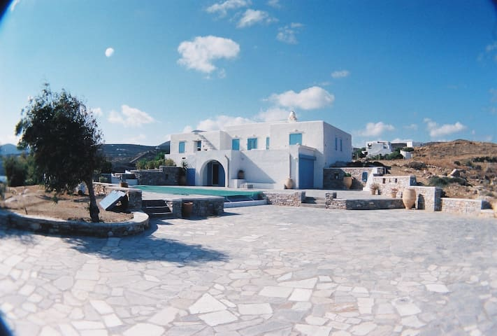 Villa for rent in Sifnos Cyclades