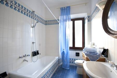 Quiet Tuscan Apartment - Bagni di Lucca - Apartment - 1