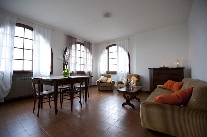 Quiet Tuscan Apartment