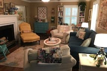 Spacious Queen Room Near Downtown Hartsville