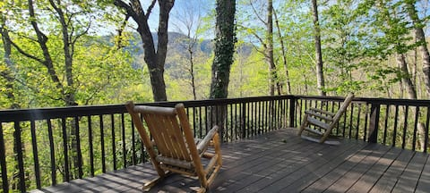 Smoky Mountain Cabin *Private,Hot Tub,Views,WIFI