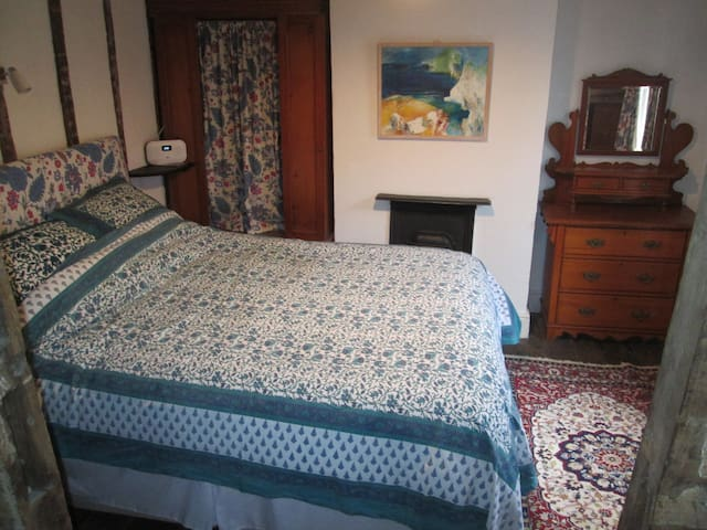 Comfortable period bedroom & sitting room,Oswestry