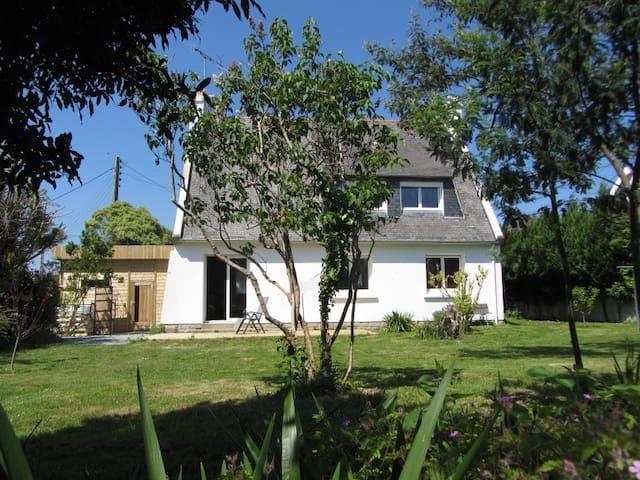 Maison individuelle 4 ch + jardin - Pont-l'Abbé - Rumah
