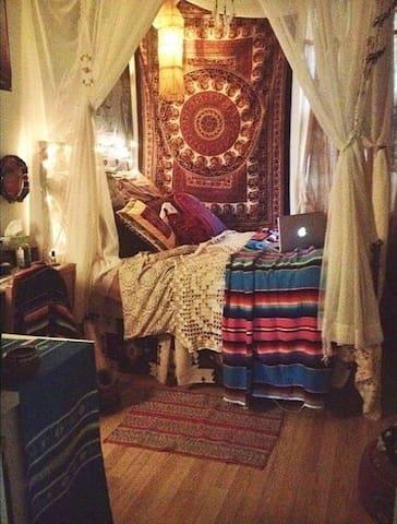 Bohemian NYC getaway (Flushing) - Queens - Appartement