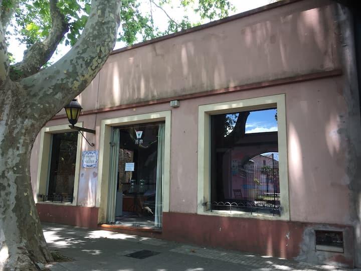 """Casa """"Galeria Del Bastión"""" - Barrio Histórico"""