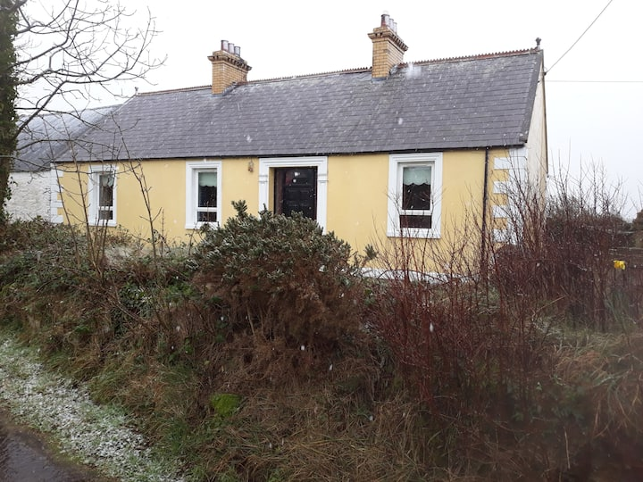 Entire House Rose's cottage Co Down Prime Location