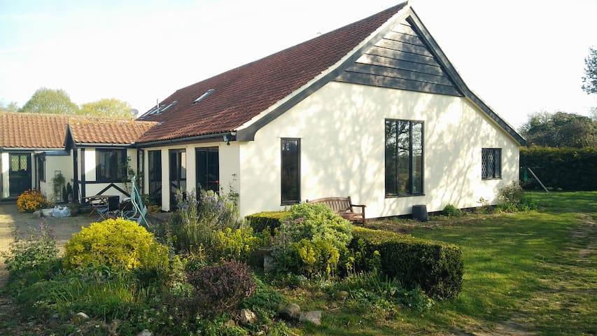 Guest suite in spacious barn conversion