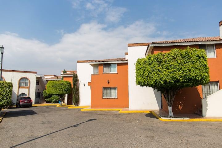 Suites Villa del Sol / Morelia
