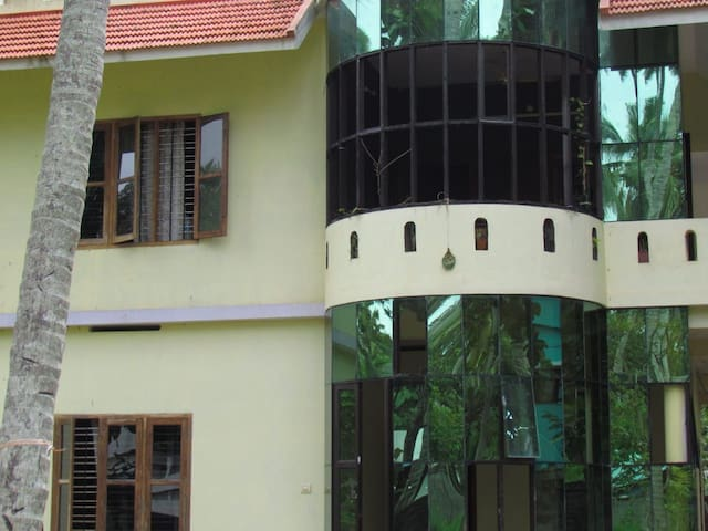 Quiete room surrounded by the tropical of Varkala