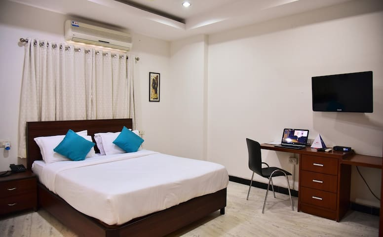 Premium Executive Room, Road#13Bhil