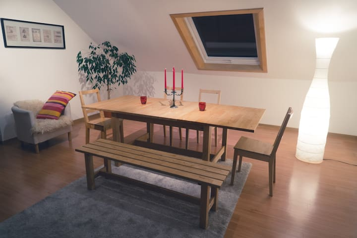 Doppelbett Zimmer in Ruhiger Lage - Büchenbeuren - Departamento
